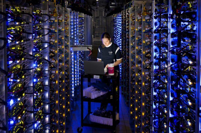 google-datacenter-people-02_jpg__2000×1333_